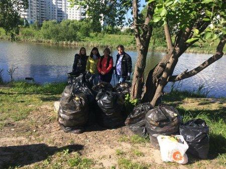 Сотрудники межрайонной природоохранной прокуратуры провели экологический субботник